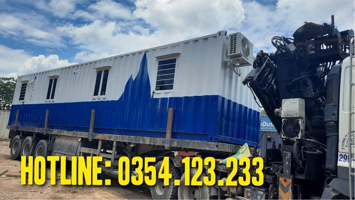 thuê container tại công trường xây dựng